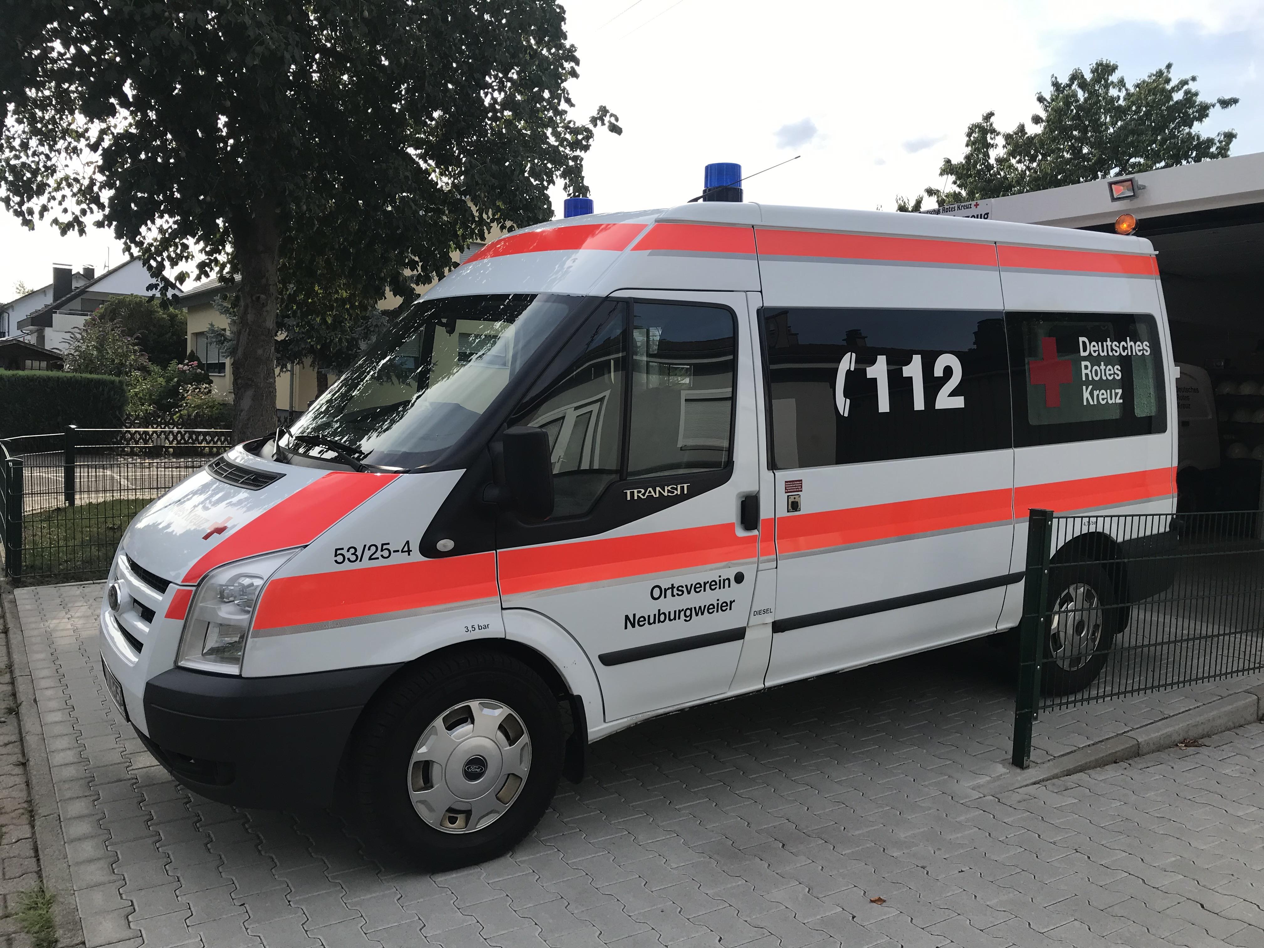 Deutsches Rotes Kreuz, DRK, Neuburgweier, Einsatzfahrzeug, neu, Rettungsfahrzeug, Förderung, Spende, Engagement, Rheinstetten